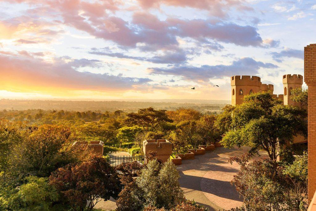 Саентология в Африке: вид на окрестности замка Кьялами