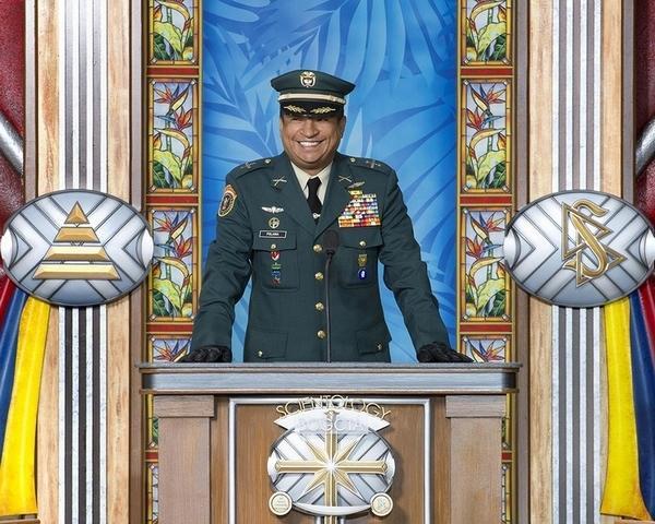 Подполковник Анстронг Поланья (Anstrongh Polania), начальник департамента общего военного права в министерстве обороны.