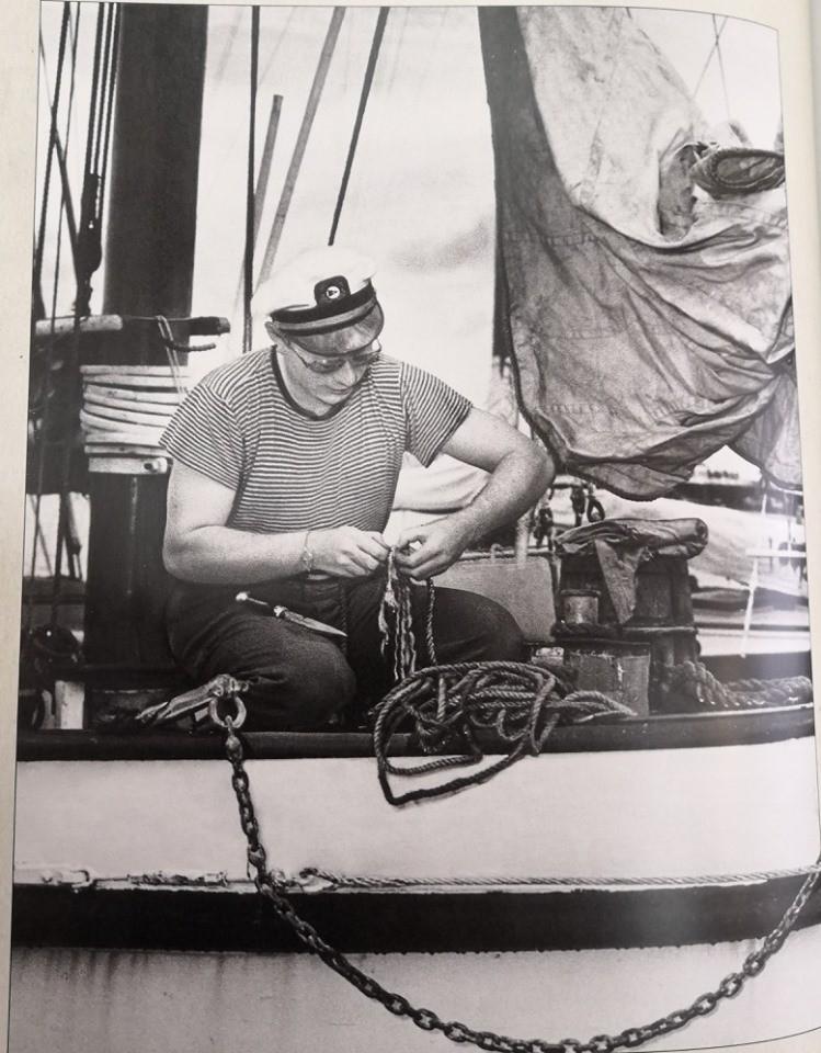 Л. Рон Хаббард на своей яхте. 1946 год.